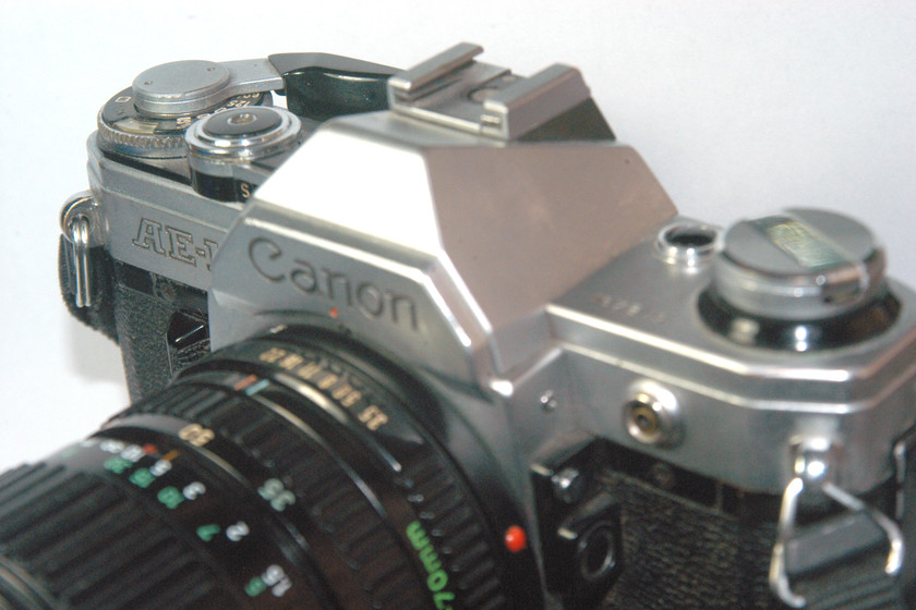 The origin of the sound of the iPhone camera is in this Canon 40 years ago